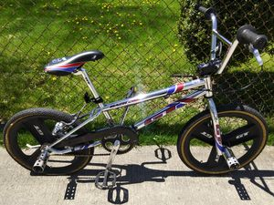 "99 GT Mach One 20"" bmx racing bike for Sale in Warren, MI"