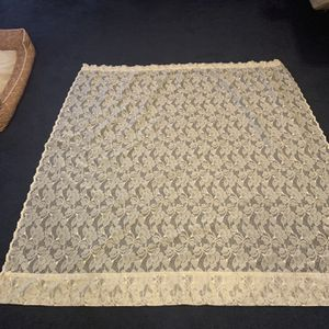 SEARS ,Vintage Lace Floral Daffodil Curtain panel 56x60 for Sale in Bel Air, MD
