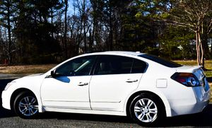 Asking $1000 2010 Nissan Altima for Sale in St. Louis, MO