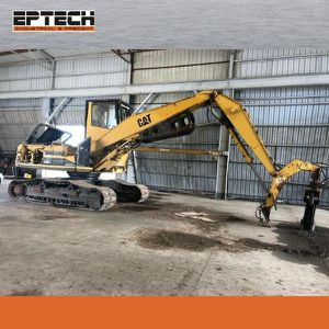 Caterpillar 322 excavator with octopus Year 1997 for Sale in Miami, FL