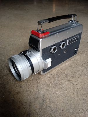 Elmo Vintage Super 8 Movie Camera AS-IS for Sale in Chino, CA