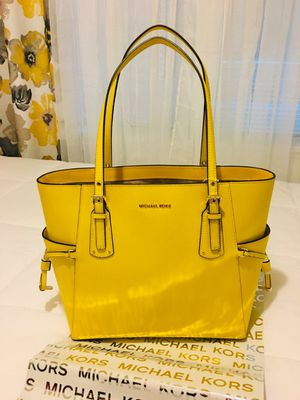 New Authentic Michael Kors LARGE Tote Bag for Sale in Bellflower, CA