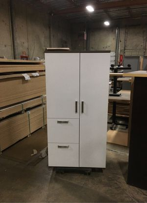 Custom laminate storage closet for Sale in Auburn, WA