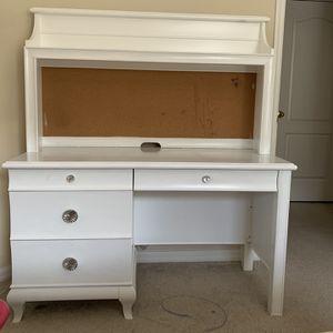 White Desk for Sale in Edgewood, FL