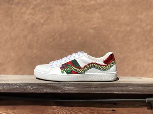 "Gucci Ace Leather ""Dragon"" (Size 8.5/9) for Sale in San Bernardino, CA"