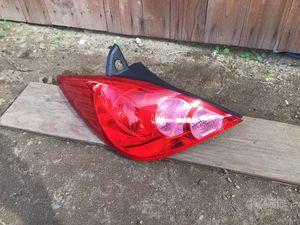2007-2012 Nissan Versa hatchback LH tail light for Sale in Eastvale, CA