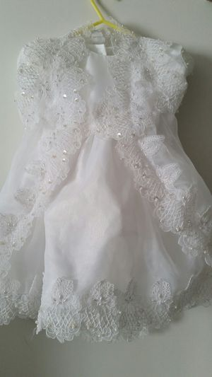 White Lace Dress with faux pearls and clear sequins 2 yr old for Sale in Mount Laurel, NJ