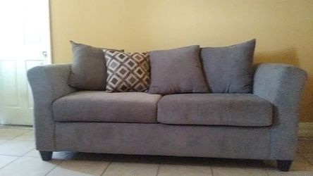 Couch/sofa for Sale in Detroit,  MI