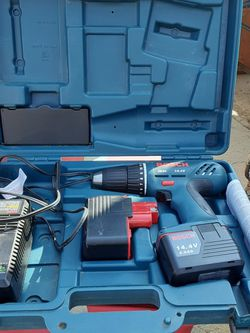 Bosch Drill In Case Charger And Batteries for Sale in Tehachapi,  CA