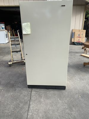 Kennmore freezer for Sale in Atascadero, CA