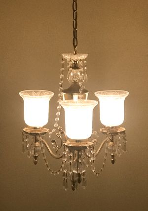 Beautiful brass chandelier in a very good condition. $40. for Sale in Newport Coast, CA