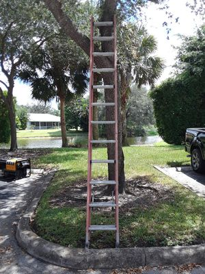 24 ft extention ladder 120obo for Sale in Miami, FL