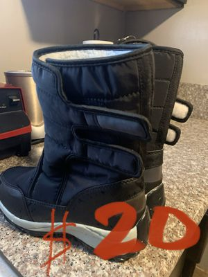 Girls 6.5 Snow boots for Sale in Maywood, CA
