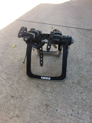 Thule 9002 trunk mount bike rack 3 bike carrier. for Sale in Denver, CO