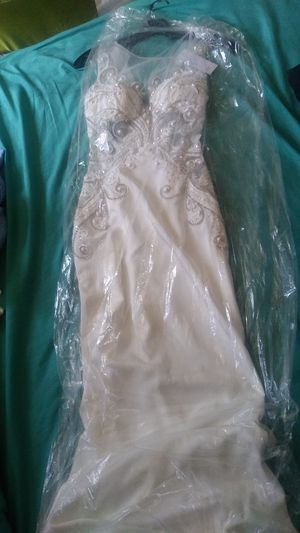 Prom long mermaid style dress for Sale in Imperial, CA