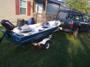12 ft boat 2.5 motor for Sale in La Vergne, TN