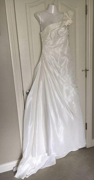 Wedding Dress New David's Bridal sz 8 Retail $400 for Sale in Olathe, KS