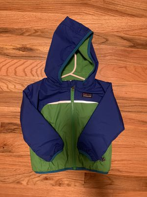 Kids 12M Patagonia Reversible Jacket/Fleece with removable Hoodie for Sale in Bellevue, WA