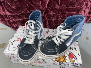 Vans boys size 3 1/2 for Sale in South Gate, CA