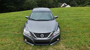 Nissan altima sr 2017 (título limpio ) for Sale in Miami, FL