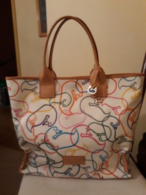 Dooney & Burke Classic Duck Multi Color Tote! NEARLY NEW! for Sale in Baltimore, MD