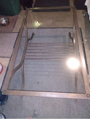Coffee Table. Please Read Post for Sale in Johnstown, OH
