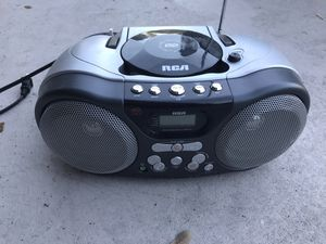 Portable CD Player (without MP3) with AM/FM Stereo Radio for Sale in INDIAN RK BCH, FL