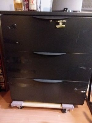 3 drawer metal lateral filing cabinet for Sale in Sandy, UT