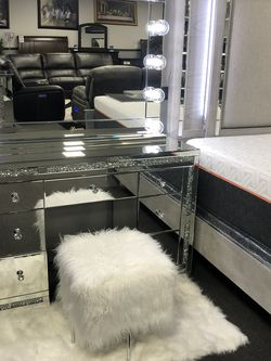 Crystal Glass Hollywood Vanity Set for Sale in Fresno,  CA