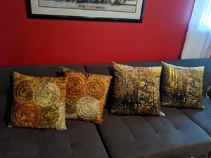 Decorative pillows for Sale in UPPR MARLBORO, MD