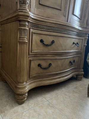 Chest/Tv Stand (2 units) for Sale in Hollywood, FL