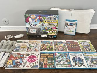 Nintendo Wii U Console and Games for Sale in Romeoville,  IL