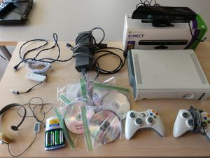 Modded Xbox 360, Kinect, 2 Controllers, wireless network adaptor, 55 games, and headset for Sale in Grand Terrace, CA