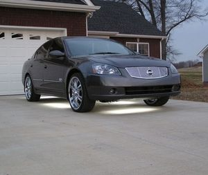 Asking $8OO 2OO5 Nissan Altima for Sale in Washington, DC
