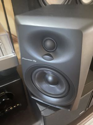 Pioneer DJ DM-40 Powered Monitor Speaker pair! for Sale in Colorado Springs, CO