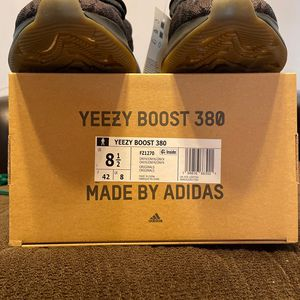 Yeezy 380 Onyx for Sale in Compton, CA