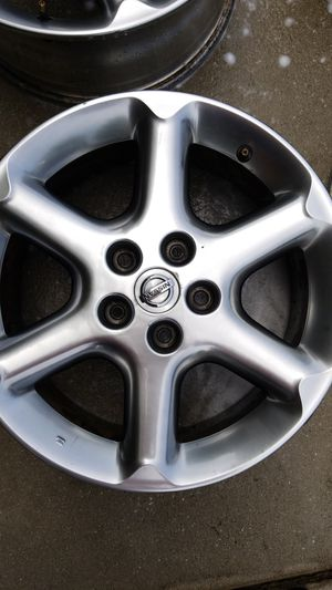 """2003-05 18x8"""" Nissan 350z silver rims PRE-OWNED. 2 rims for Sale in Summerville, SC"""