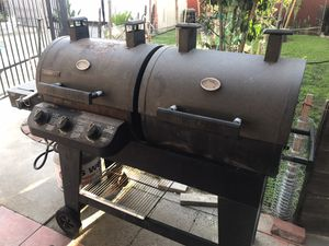 Gas & Charcoal BBQ Grill - Good/Great Condition for Sale in Parlier, CA