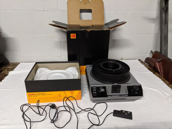 KODAK EKTAGRAPHIC SLIDE PROJECTOR