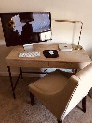 Mac Display / Mac Mini / Wireless Keyboard & Mouse / Desk & Chair for Sale in Frederick, MD