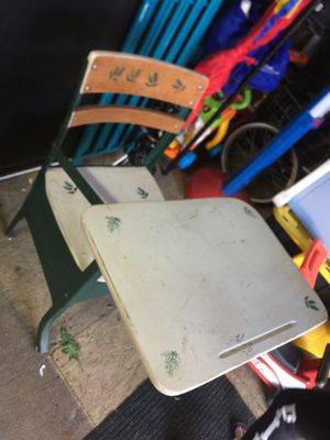 Kids desk for Sale in Grand Prairie, TX