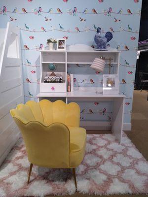 Kids desk for Sale in North Las Vegas, NV