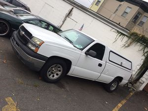 Chevy Silverado 2wd v6 for Sale in Belleville, NJ