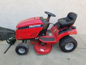 Snapper ride on lawn mower LT 200 18.5 for Sale in Chino, CA