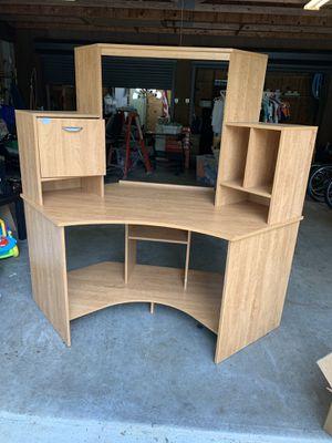 Corner Desk with Hutch for Sale in Miami, FL