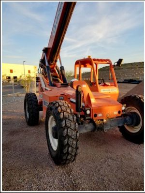 JLG 8042 S Variable Reach Forklift / 40-49' for Sale in Phoenix, AZ