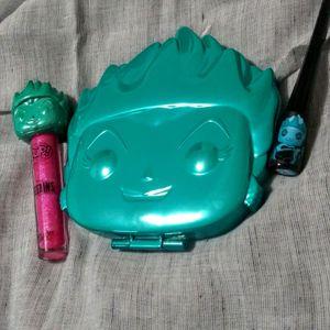 Buy1Get2 Ursula- Funko Pop Disney Villians Set for Sale in Seattle, WA