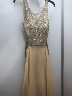 Champagne Gold Dress Size 6 for Sale in Hialeah, FL
