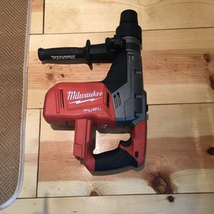 Milwaukee M 18 Fuel. 18-Volt Lithium-Lon. Brushless cordless 1-9/16.in. SDS-Max. Rotaryi Hammer (Tool-Only) for Sale in Rowland Heights, CA