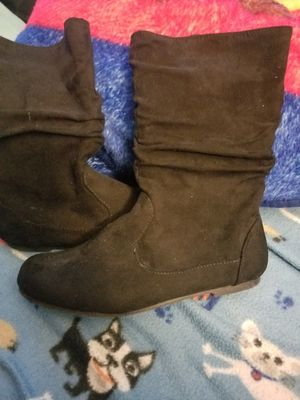 Girls Boots Size 2 for Sale in Moreno Valley, CA